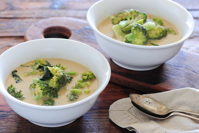 Addictive Green Curry of Broccoli Soup