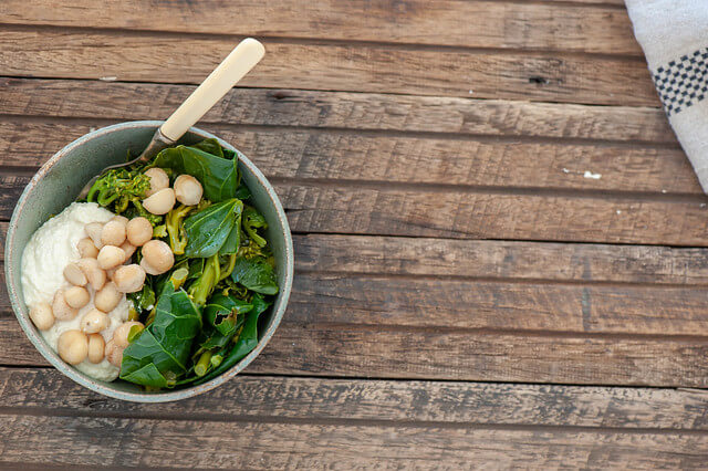Green Bowls with Macadamia Cream