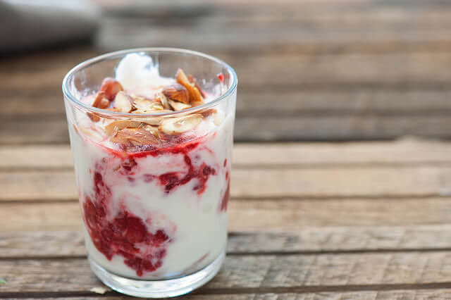 Quick-Raspberry-Yoghurt-Mousse-Recipe